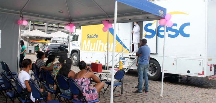 Prefeitura oferta serviços gratuitos de saúde da mulher na Feira de São Joaquim